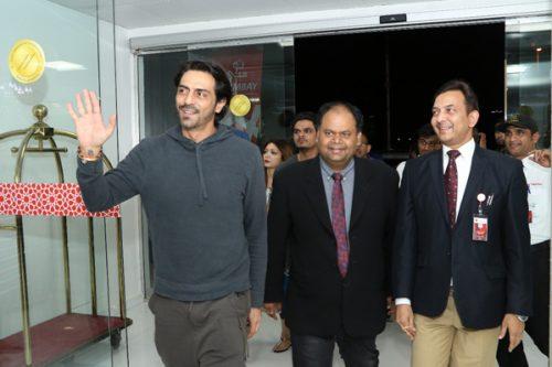 Bollywood Actor Arjun Rampal Meets and Greets Fans at Thumbay Hospital Dubai