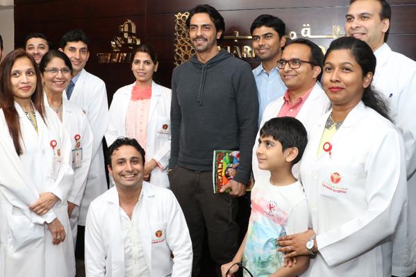 Bollywood actor arjun rampal meets and greets fans at thumbay bollywood actor arjun rampal meets and greets fans at thumbay hospital dubai 2 m4hsunfo
